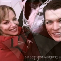 Jill Valentine y Alice cantando Evil Christmas