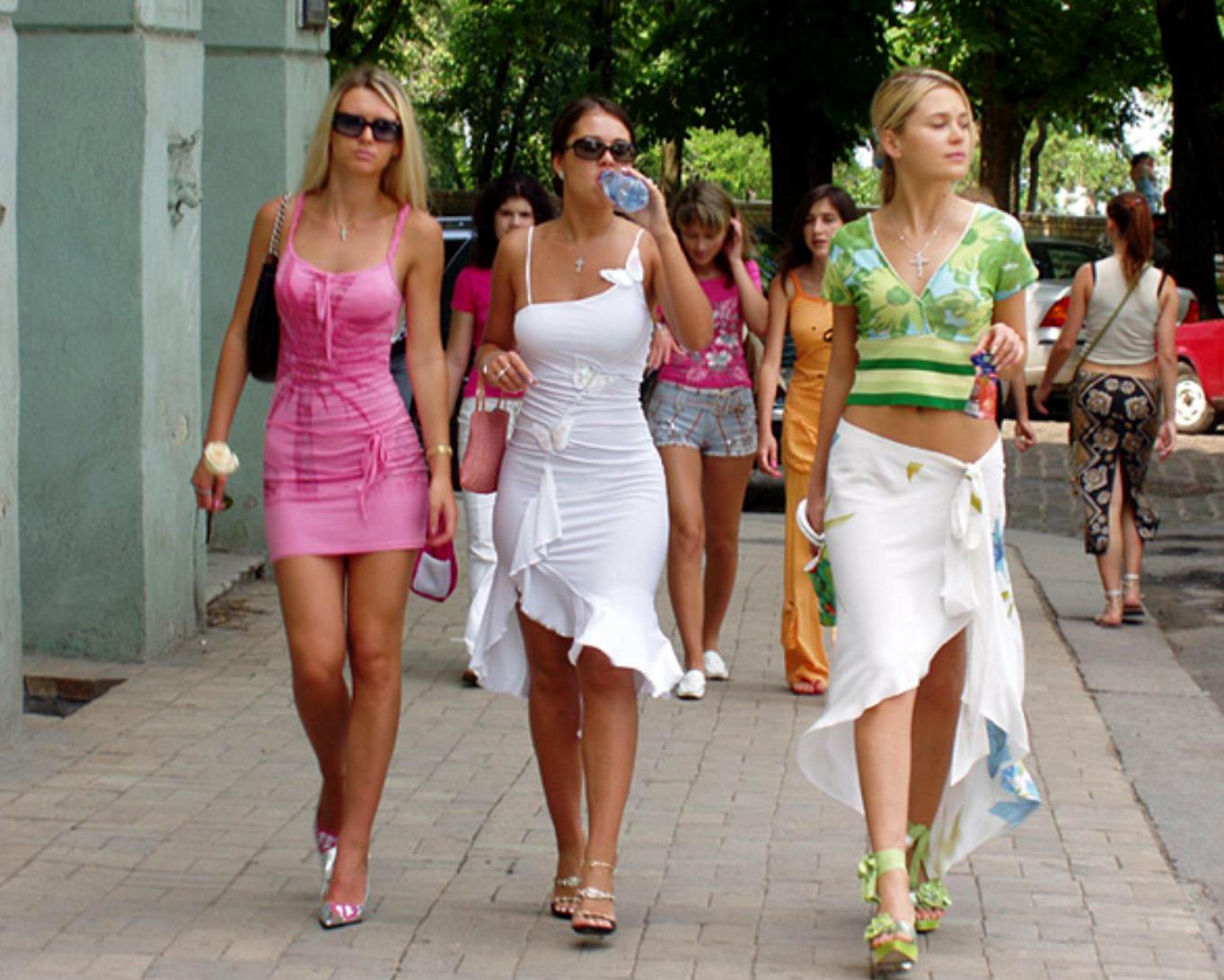 Mujeres De Letonia Son Guapas Y Eitosas Pero No Tienen Hombres Que