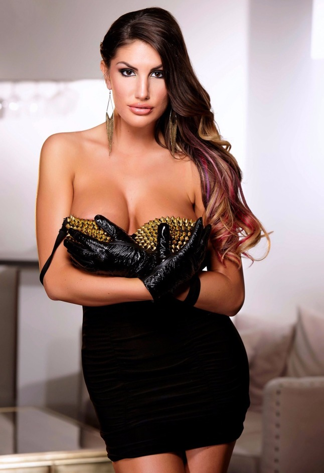 Solo august ames